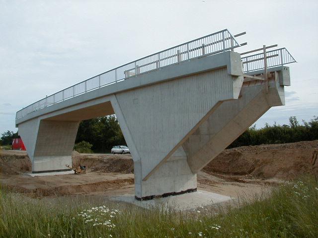Fertige Brücke. Man erkennt die typische Schrägstielform.