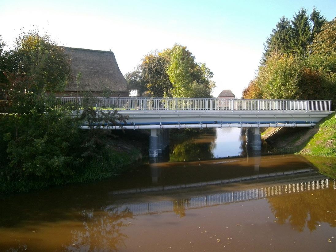 Wasseransicht der fertigen Brücke