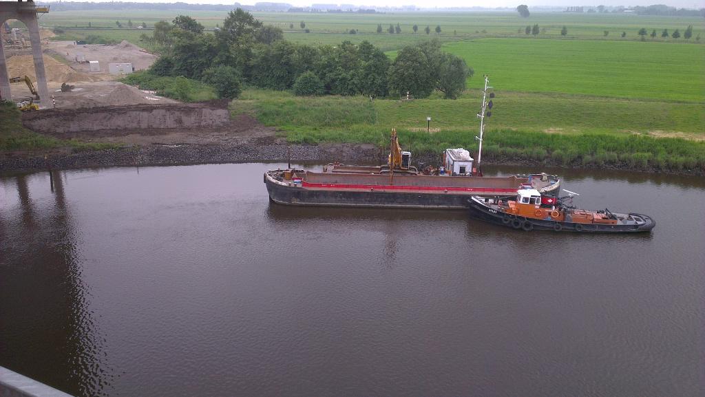 Material und Gerät kam auf dem Wasserweg