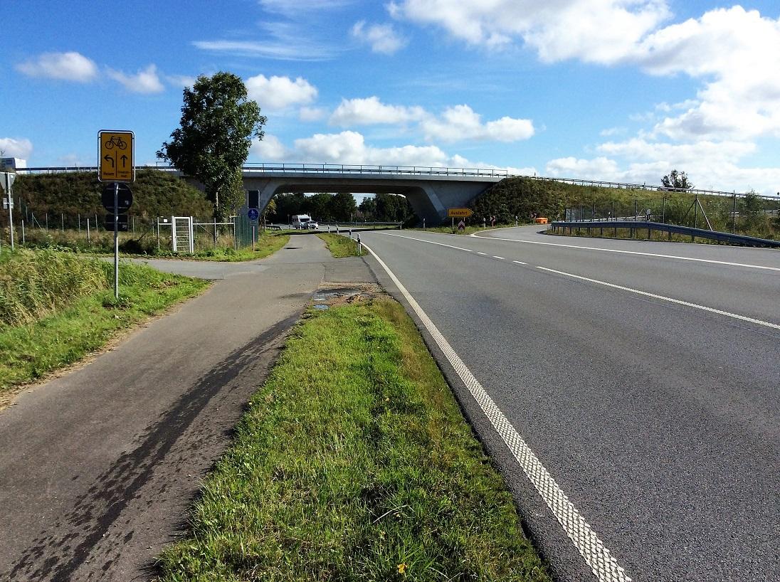 Fertiger höhenfreier Verkehrsknotenpunkt